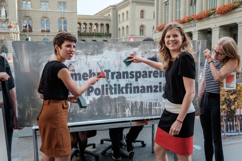 Durchsichtige Ausreden: Bundesrat lehnt Transparenzinitiative ab